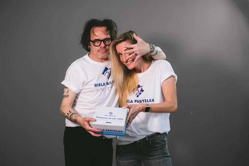 Hlasy Bielej pastelky 2020 – Adela Vinczeová a Robo Roth